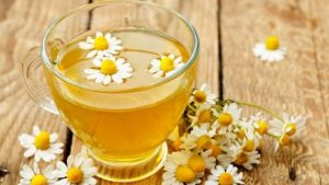 chamomile tea for hair lightening