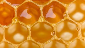 Beeswax for hair benefits